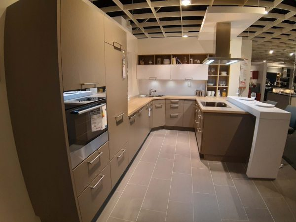 Rational Cambia, Lano