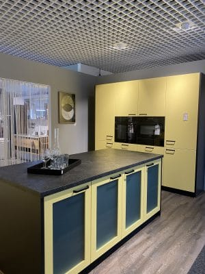Küche gelb schwarz Sale